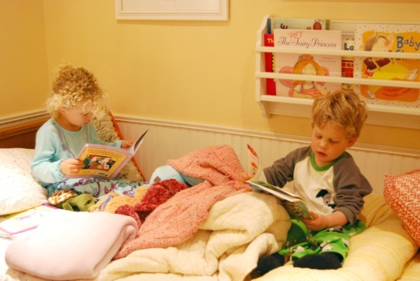 Erin's Kids reading