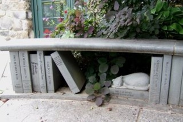 BITW Book Bench with Cat