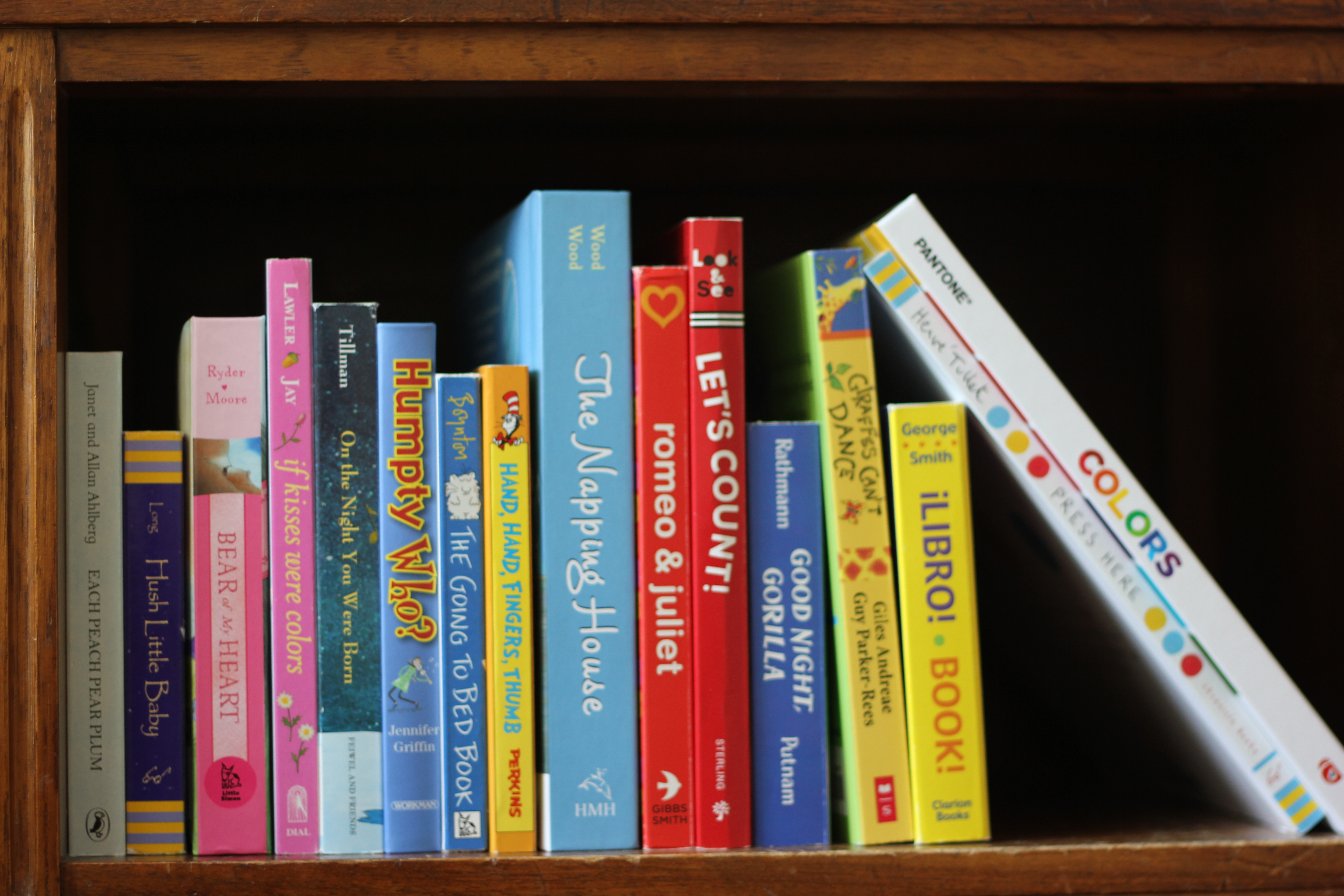What s on my bookshelf sarah random acts of reading - Book shelf pics ...