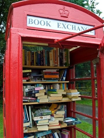 BITW Tiny Library in Phone Box