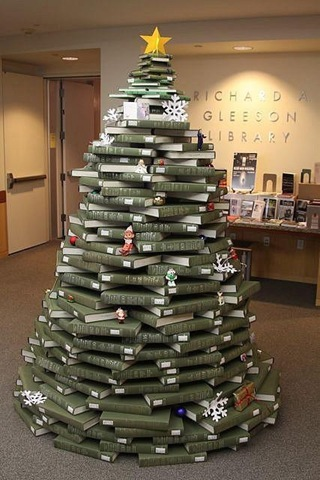 BITW Holiday Tree of Books Large Green
